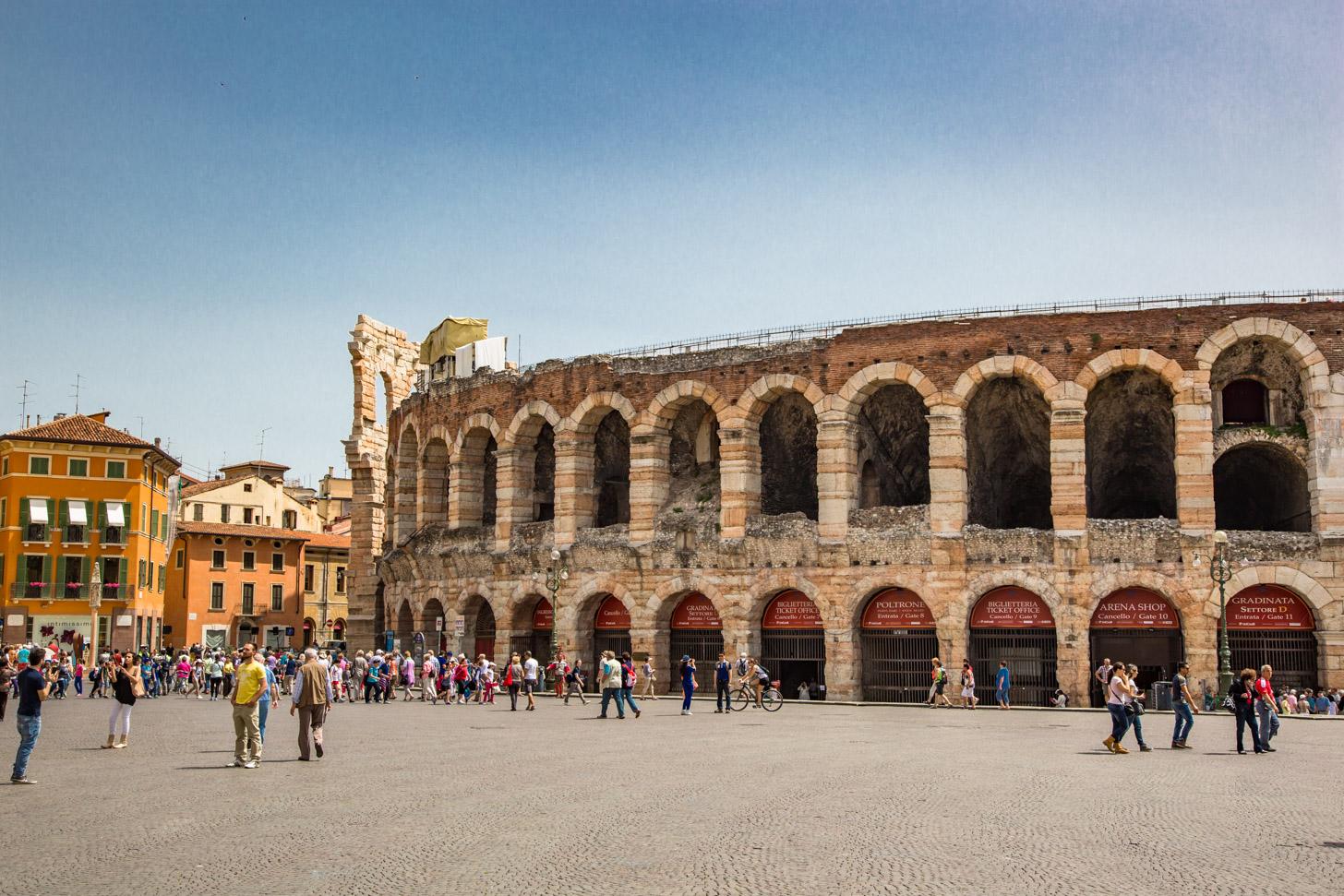 Geschiedenis van de Arena van Verona